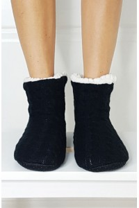 Knitted Fur tapkės