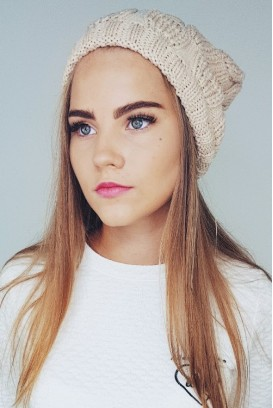 Slouchy knit kepurė